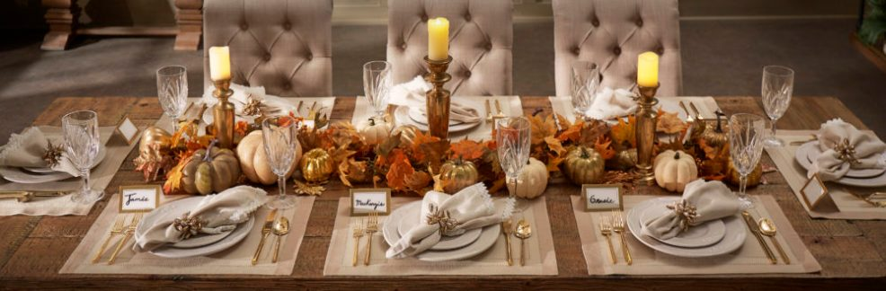 holiday table showing inspire q diy tablescape