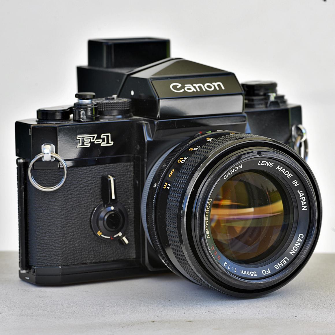 Canon F-1 zCanonem FD 55 mm f/1.2 S.S.C. Aspherical