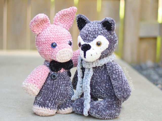 Crochet Wolf and Piggy Pattern by IraRott