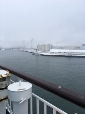 雪の名古屋港