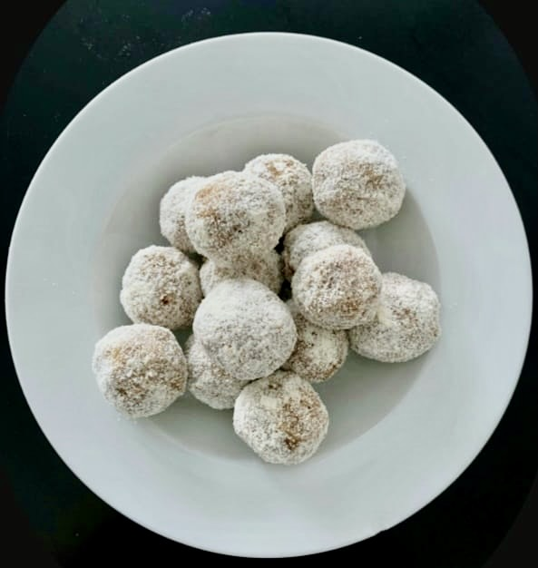 Sprouted Bean Laddoo by Iyurved