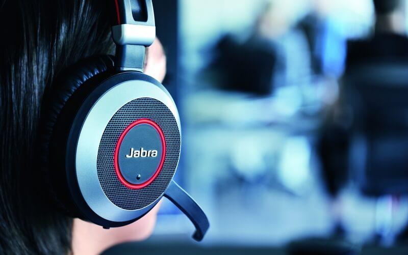Noise cancellation in headsets: What exactly is it? · Jabra Blog