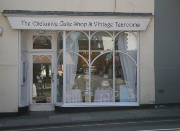 Exclusive Cake Shop and Vintage Tea Room Midhurst Jacaranda Catering_004