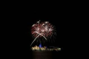 wdwmgk-fireworks-.9mi-3411