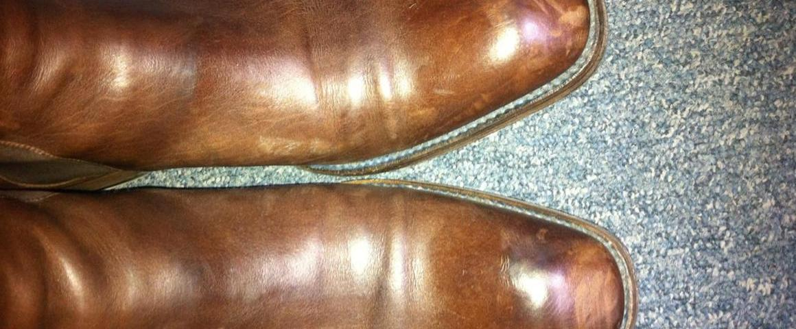 nettoyer chaussure cuir eau. Black Bedroom Furniture Sets. Home Design Ideas