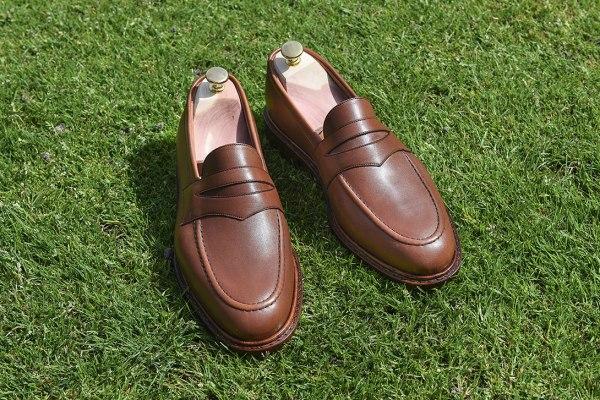 Voici notre Loafer dans une version en cuir fauve