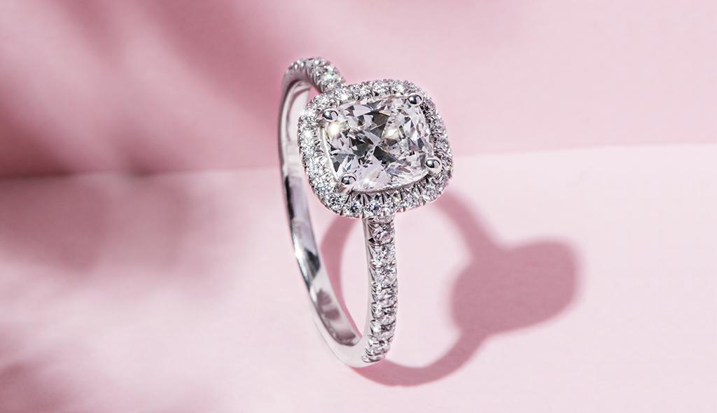 cushion cut diamonds with a classic glow