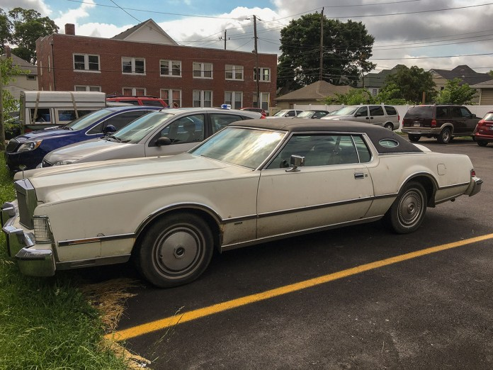1975-lincoln-continental-mark-iv
