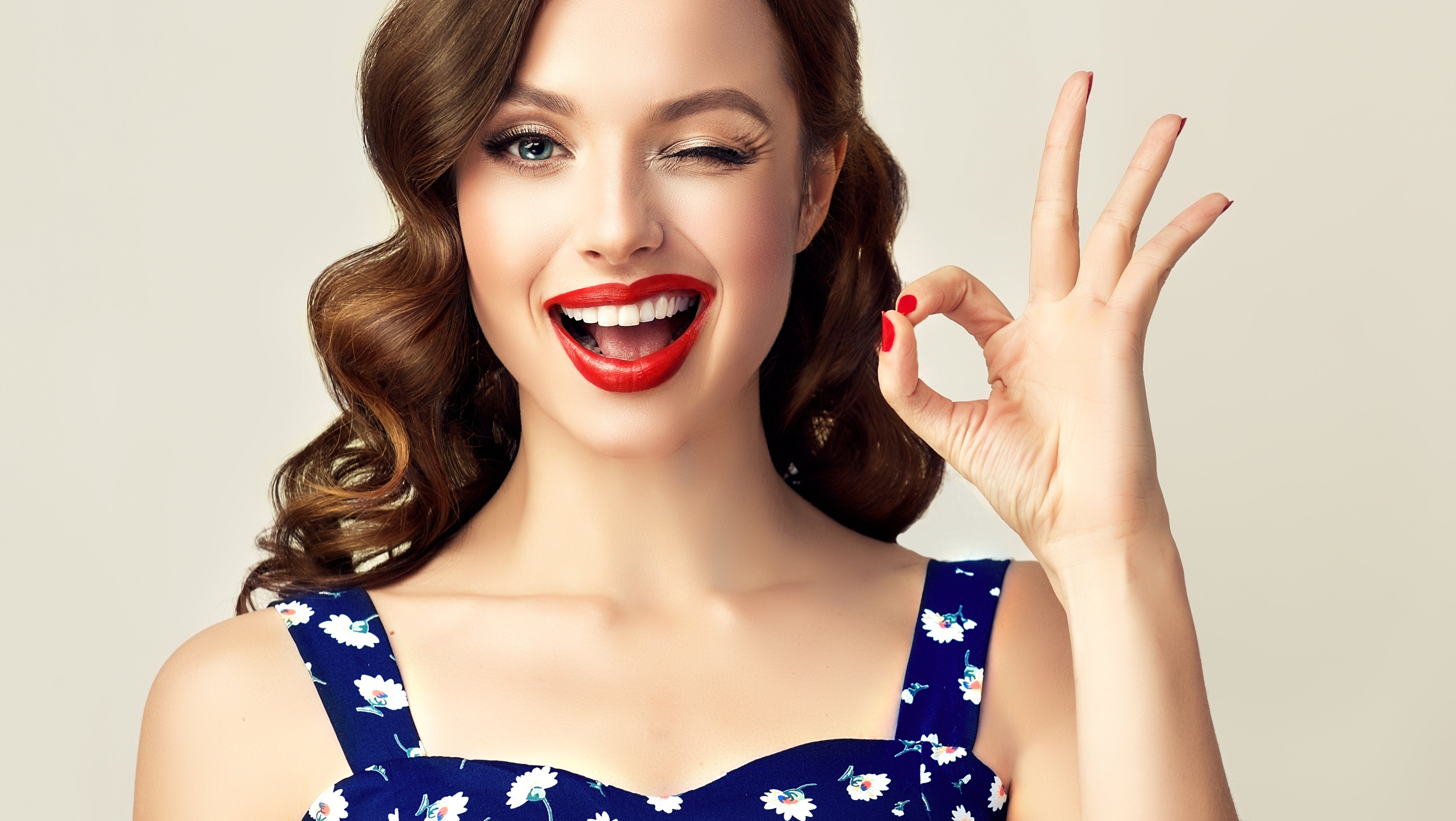 Dental veneers are popular, but they can go wrong. Get yours right!