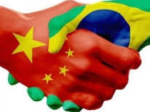 """General Mourão diz: """"Brasil e China, um casamento inevitável""""."""