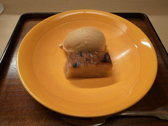 Kinako Ice Cream with Yaki Ringo