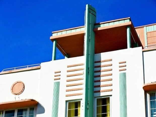Simple shapes Art Deco Miami