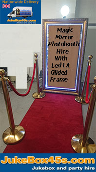 magic-mirror-wedding-photobooth-hire-led-lit-frame