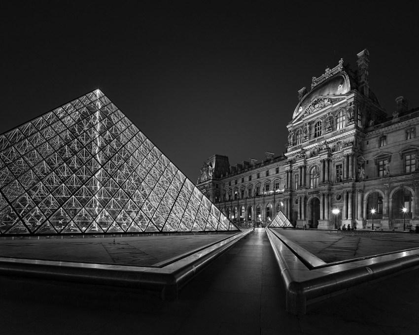 Midnight Light I – Louvre Museum Paris – © Julia Anna Gospodarou 2017 – 17mm Canon Tilt-shift Lens 30 sec. f/10 ISO 100 - No ND Filter