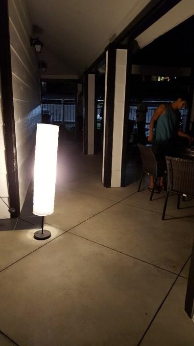 Un soir, un barbecue, pas de lumière... On a donc utilisé les moyens du bord