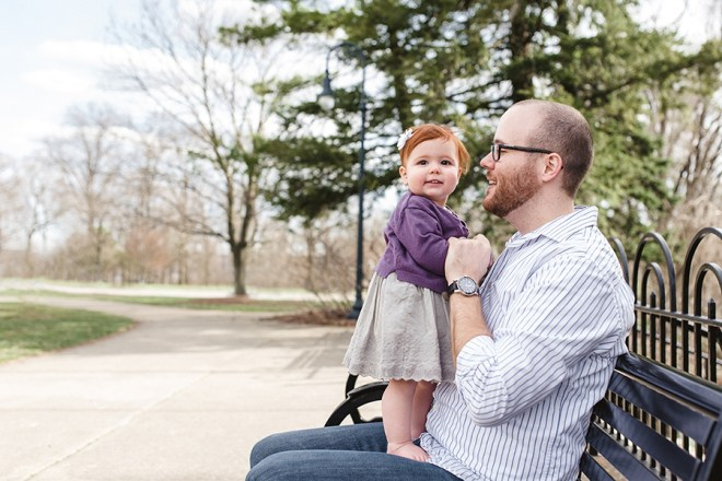 baby_dad_park_bench