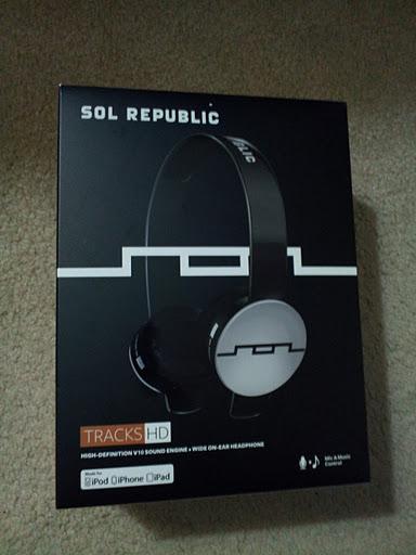 SOL Republic Tracks HD Box