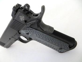 Extended beavertail on a 1911 10mm pistol