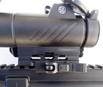 Close up of the SIG Romeo red dot mounting system