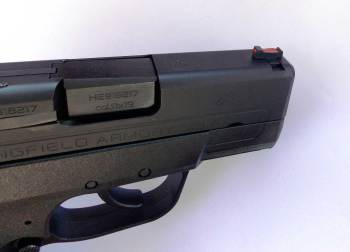red fiber optic sight on the Springfield XDE