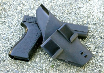 Tuckable Ehud IWB holster by Suarez International