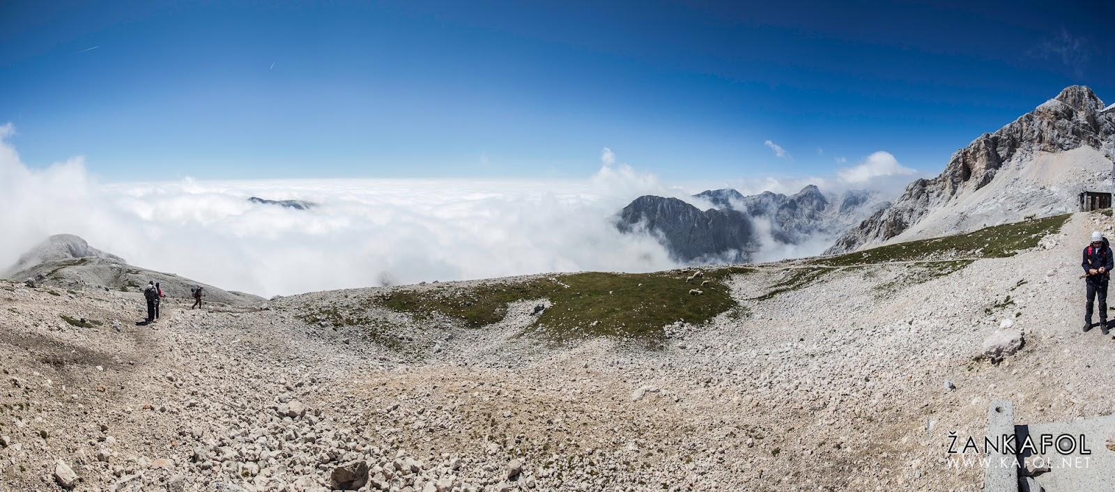 Pogled iz koče Planike v smeri proti Mišelj vrhu
