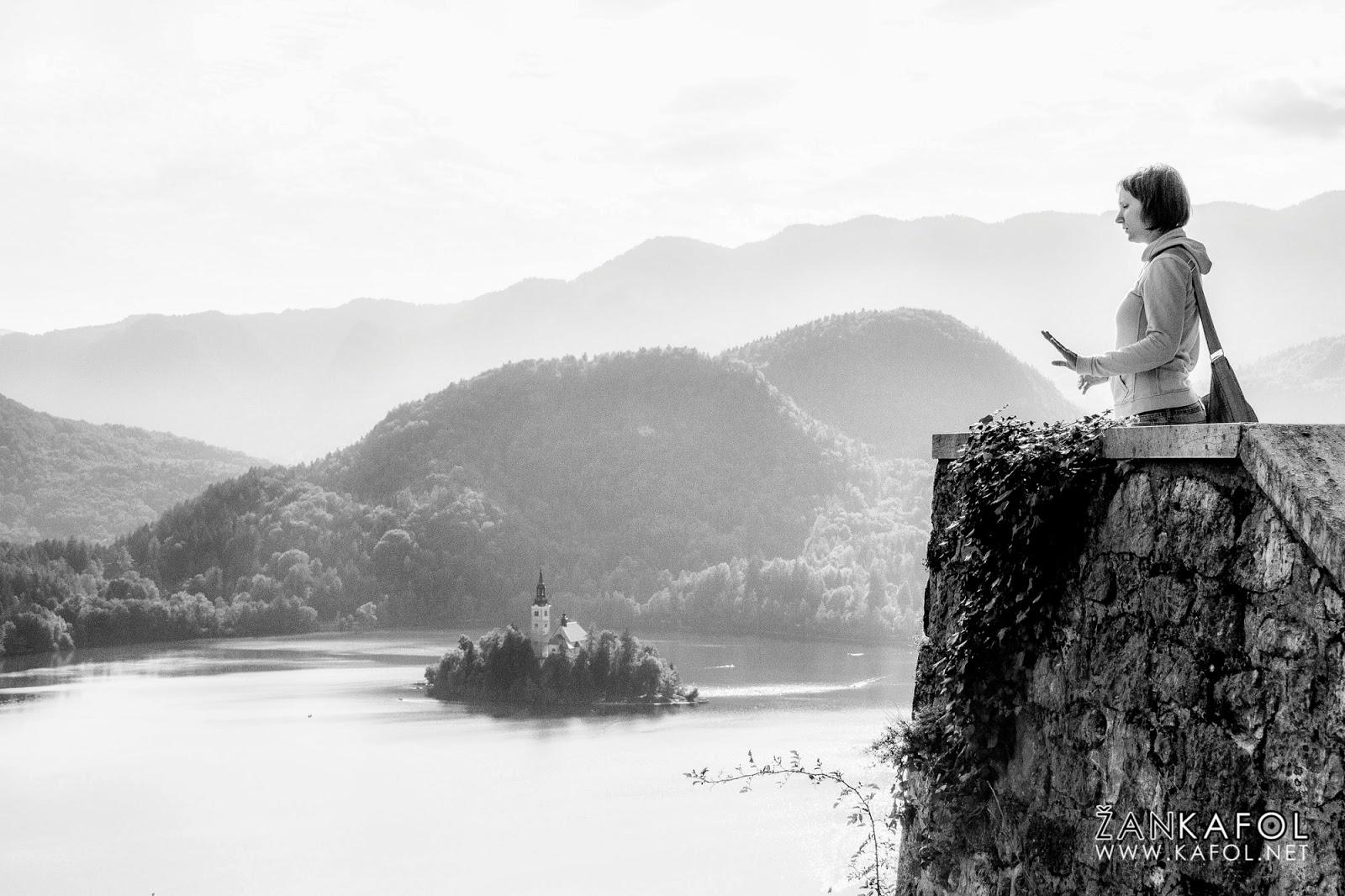 Razgled na Blejsko jezero z Blejskega gradu