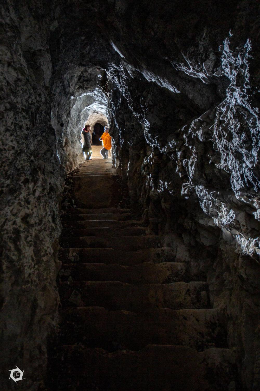 Vhod v rove po stopnicah na Unški koliševki