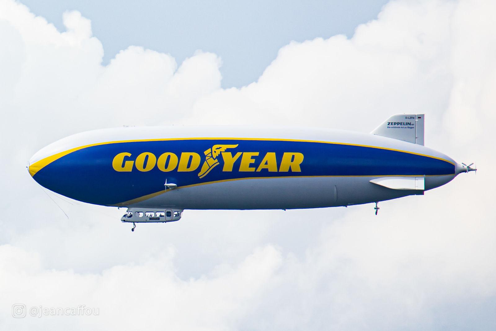 Goodyear Blimp - Zeppelin