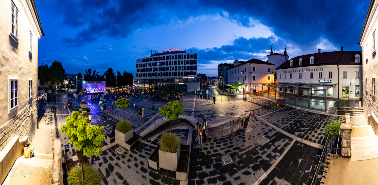 Titov trg Postojna