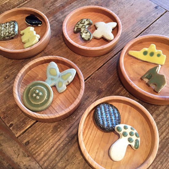 福田るい 陶器のブローチ