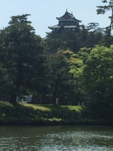 内堀からの松江城
