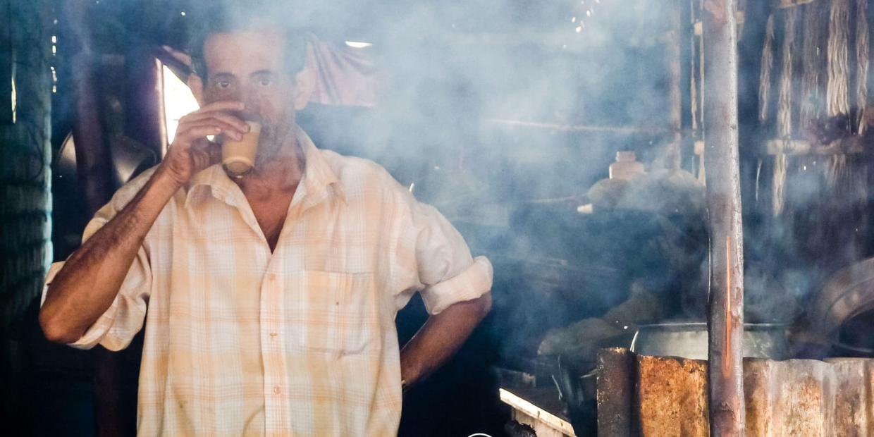 How to Make Masala Chai like a Real Chaiwala. Photo by Julia Maudlin (https://flic.kr/p/rX1d3r)