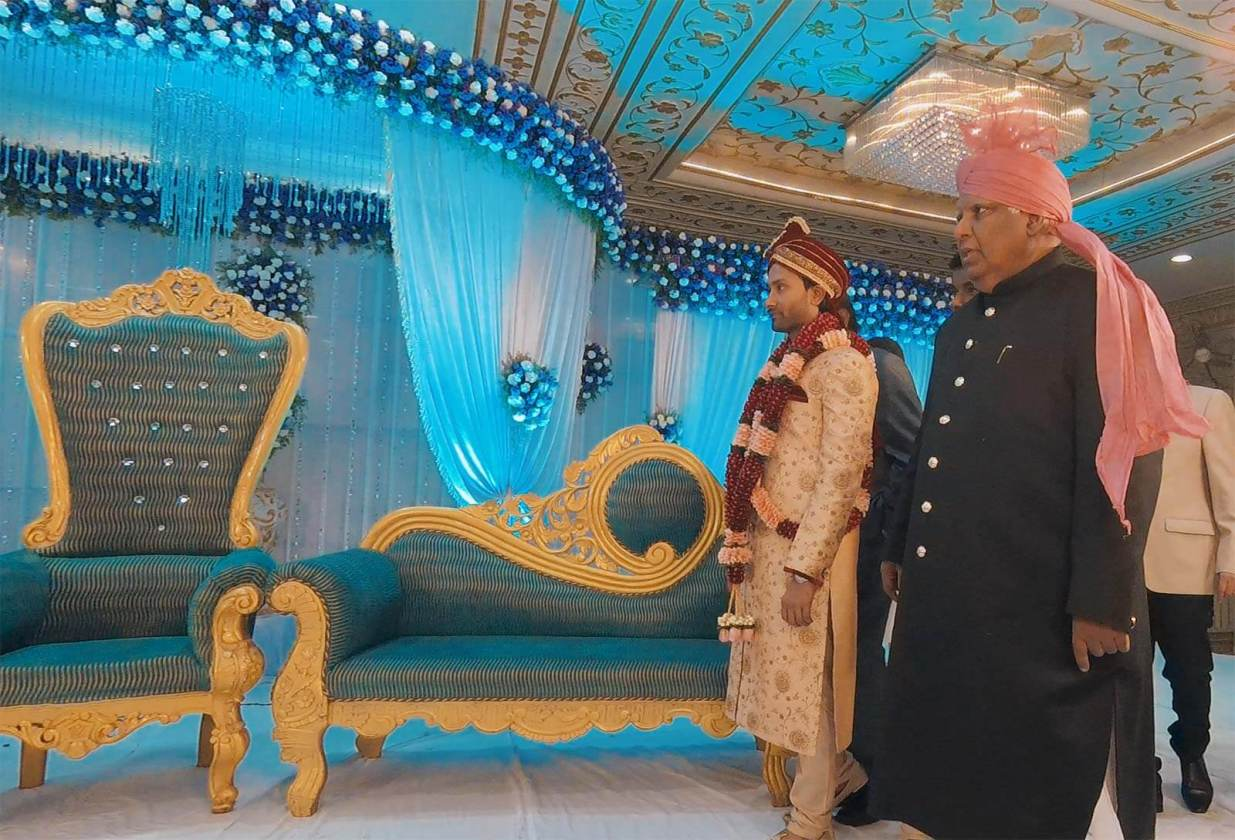 Behind the Scenes at a Muslim Wedding in India [Video]. Photo © Karl Rock.