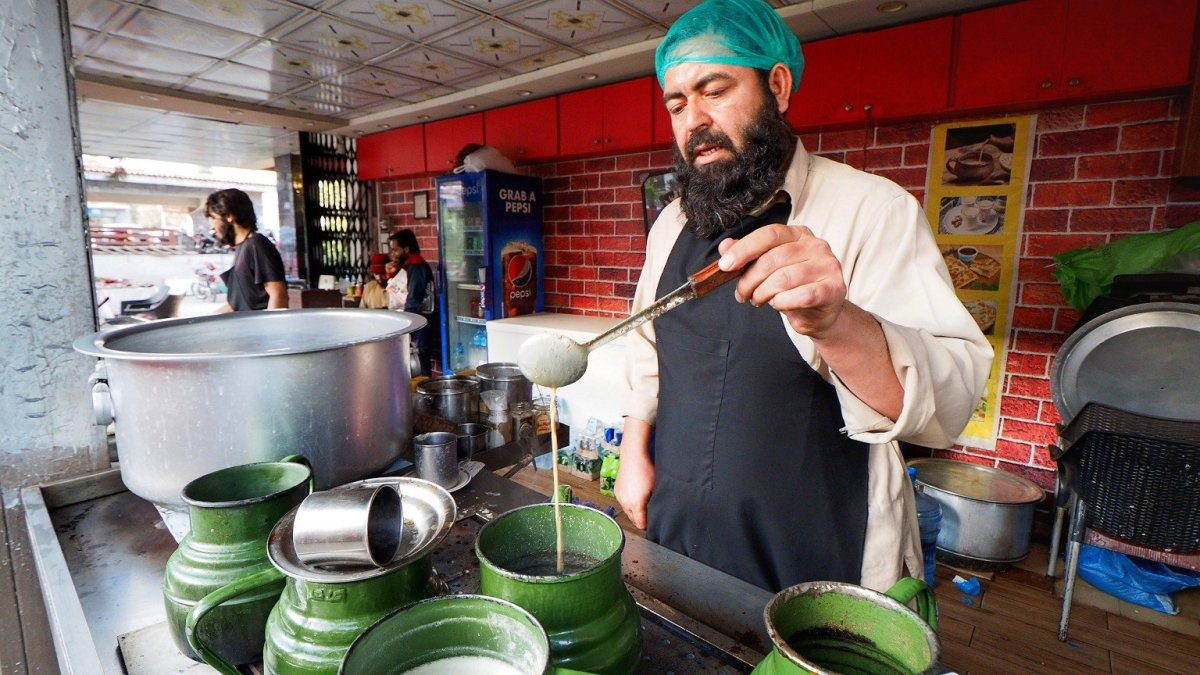 Authentic Pakistani Chai Recipe from a Chaiwala