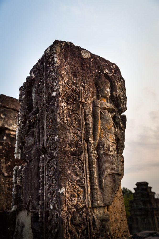 Phnom Bakheng at sunrise for an Angkor Wat temple guide
