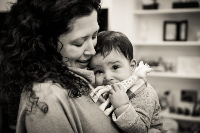 Mother and child portrait for an article on indoor baby portrait tips