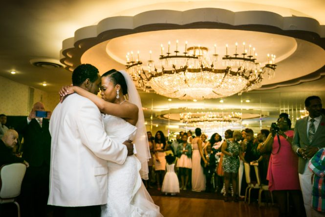 First dance at a Glen Terrace wedding