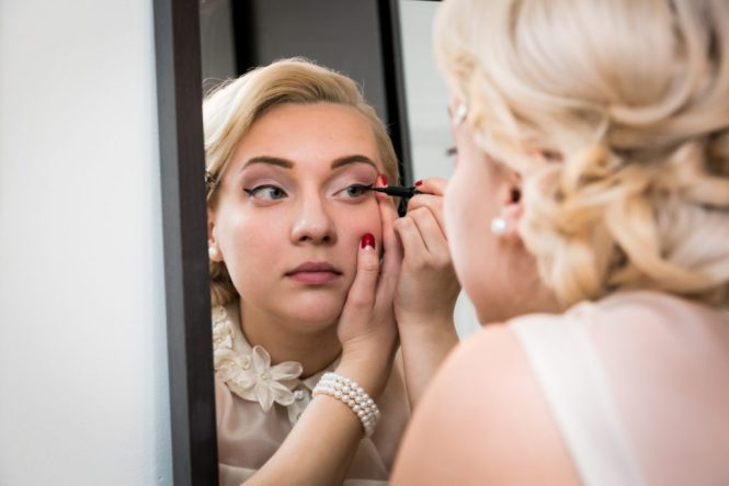 Bride getting ready for a Scottadito wedding in Brooklyn
