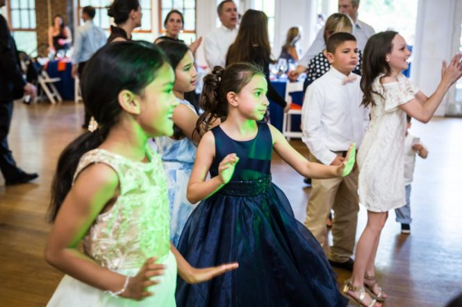 Kids dancing by bar mitzvah photographer, Kelly Williams