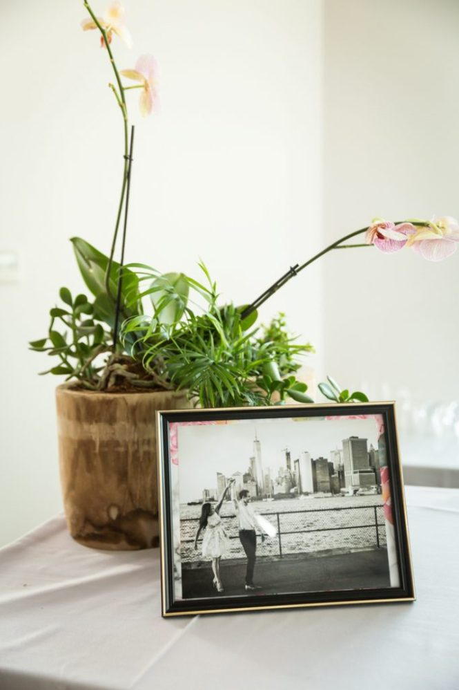 Photo in frame for an article on wedding DIY projects