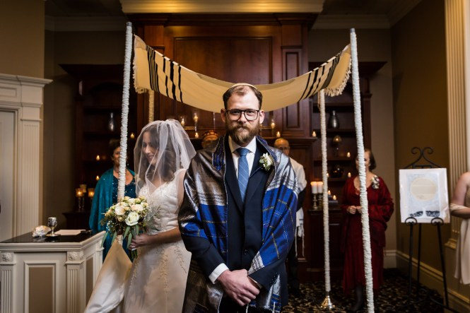 Wedding ceremony for an article on band vs DJ