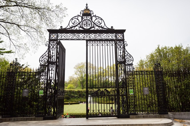 The Vanderbilt Gate at a Central Park Conservatory Garden wedding