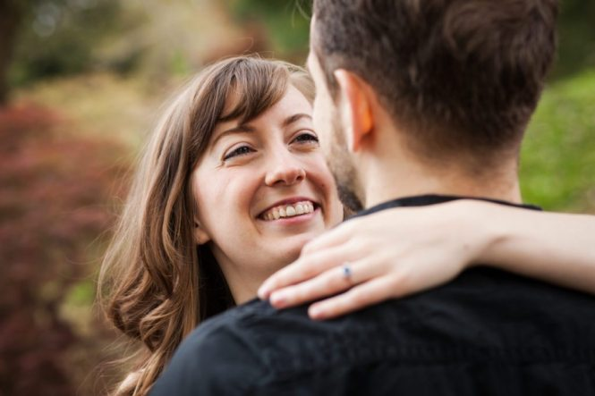 Engagement shoot at the Brooklyn Botanic Garden by photographer Kelly Williams