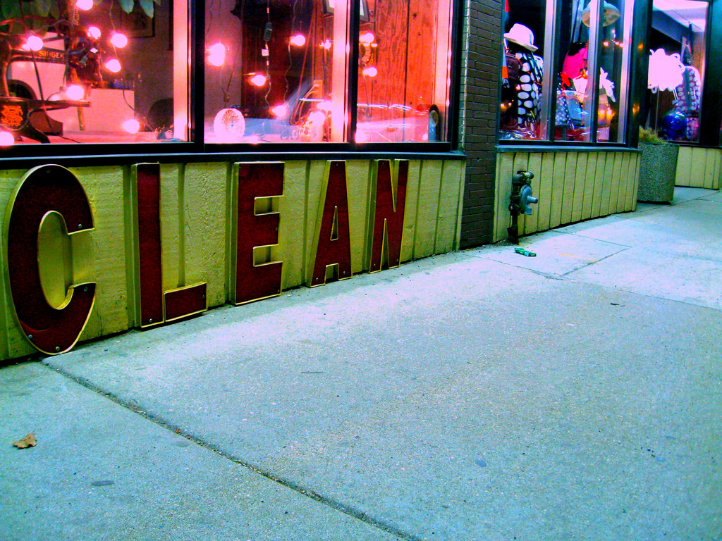 clean flickr photo by the queen of subtle shared under a Creative Commons (BY-NC) license