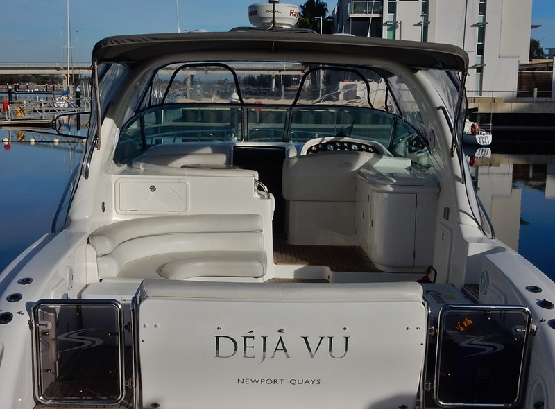 "Picture of a bota ""Déjà Vu"" from the stern."