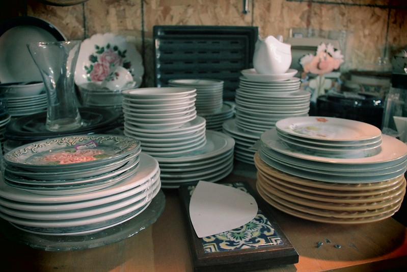 Stacks of various size plates.