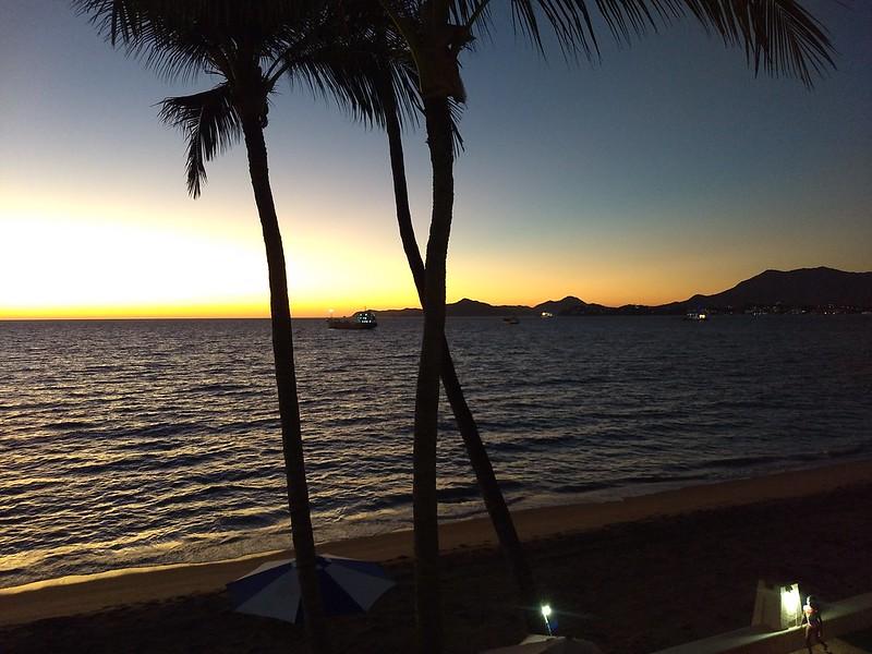 Sunset in Manzanillo (Las Brisas).