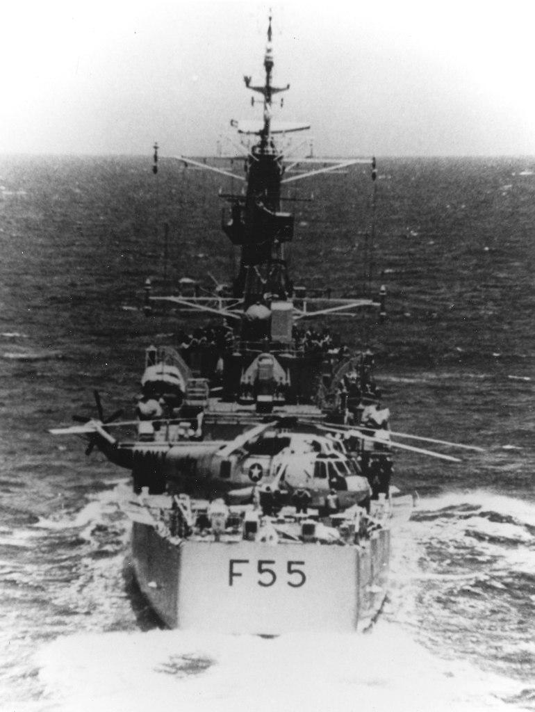 SH-3 Sea King after emergency landing on HMNZS Waikato (F55) in April 1978