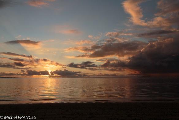 Coucher de soleil à la plage de Vaiava